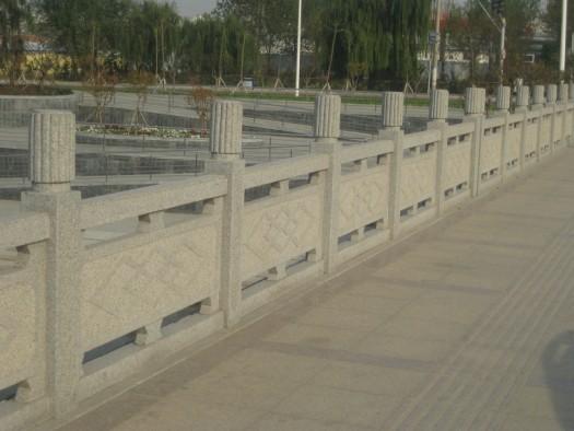 镂空雕刻桥栏板