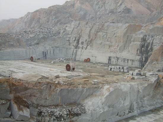 五莲红路边石矿山资源